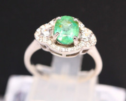 Emerald 2.83g Natural Vivid Green Emerald 925 Sterling Silver Ring B0711