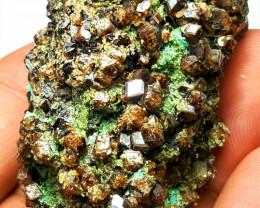 Amazing Garnet cluster Specimen 400 Cts -Afghanistan