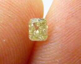0.31ct  Fancy greenish Yellow Diamond , 100% Natural Untreated