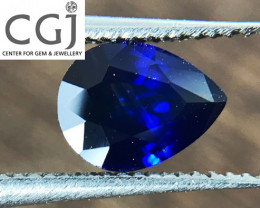 Certified - 0.63ct - Royal Blue Sapphire