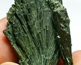Damage free Epidote flower tree shape Crystal 50 Cts - Pakistan