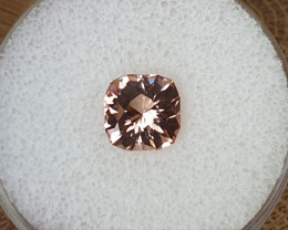 2,75ct Padparadscha coloured Tourmaline - Master cut & glowing!