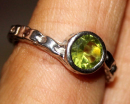 Natural Peridot 925 Silver Ring Size US (7) 109