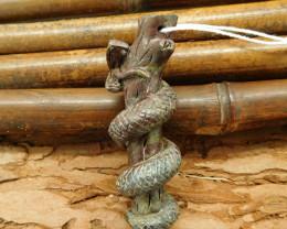 Carving bloodstone climbing snake pendant bead natural gemstone (G0094)
