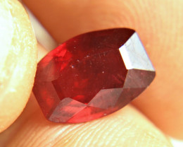 4.25 Carat VS Ruby - Fiery and Beautiful