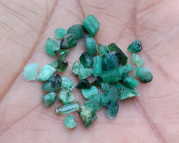 EMERALD ROUGH GEMSTONE PARCEL Natural+Untreated VA4594