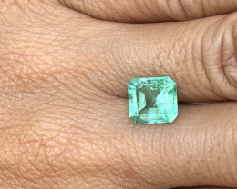 STUNNING LAB CERTIFIED 2.78ct COLOMBIAN EMERALD
