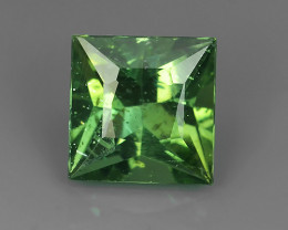 2.45 CTS FINE QUALITY _ LUSTROUS - NATURAL GREEN APATITE - SQARE _NR!!