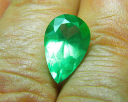 3.95 ct Beautiful Colombian Emerald Certified!