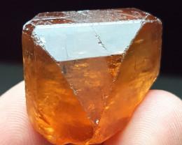 Natural color gemmy Topaz crystal 110 Cts - Pakistan