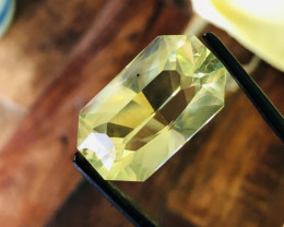 17.40CT AMBER FACETED. MASTER CUT,  CUT VERY UNIQUE