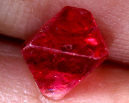 1.25 CTS  SPINEL OCTRAHEDRAL CRYSTALS  BURMA    RG-3658
