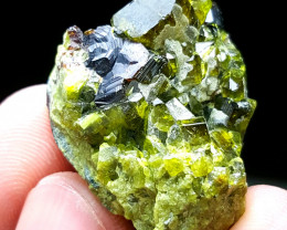 Beautiful Epidote with Garnet 120 Cts- Afghanistan