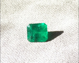 2,79 ct Colombian Emerald Ref 1/76  Dark Green Wonderful!