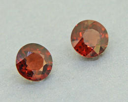 N/R Pyrope Garnet Round PAIR, natural 2.24ct ( 00658)