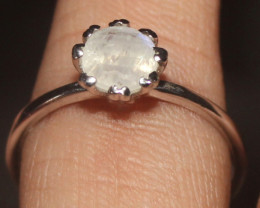 Natural Rainbow Moonstone 925 Sterling Silver Ring Size (8) 123