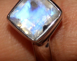 Natural Rainbow Moonstone 925 Sterling Silver Ring Size (7.5) 140