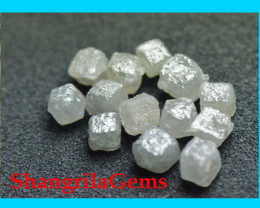 3 cube diamonds 0.95 to 1ct total silver grey