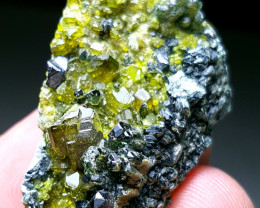 Cute and lovely Epidote Combine with Diposite and Black mica 120Cts-Afghani