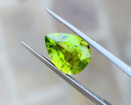2.75 Ct Natural Green Yellow Transparent Peridot  Gemstone