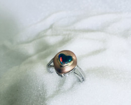 Handmade opal ring in yellow and white gold 18 kt