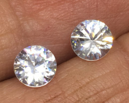 2.05 Carat VVS Zircon - Diamond White Color - Color Flash Quality !
