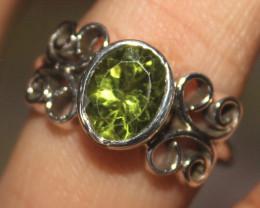 Natural Peridot 925 Sterling Silver Ring Size (9) 143