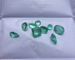 Very good Parcel of 13,00ct Colombian Emeralds Ref 72/76