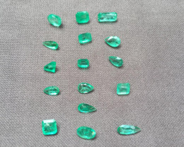 Wonderful Lot of 18,31ct Colombian Emeralds Ref 75/76 (16 pieces)