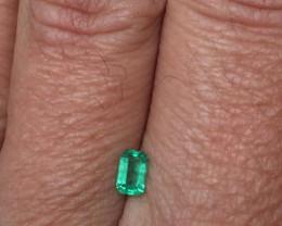Wonderful Muzo 0,49ct Colombian Emerald Ref 25/32