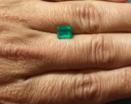 Get this 2,00ct Colombian Emerald Ref 22/23