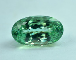No Reserve - 21.95 Carats Lush Green Spodumene Gemstone