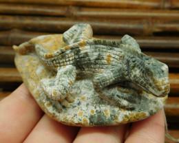 Ocean jasper carved lizard pendant (G0627)