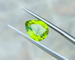 2.55 Ct Natural Greenish  Transparent Peridot Gemstone