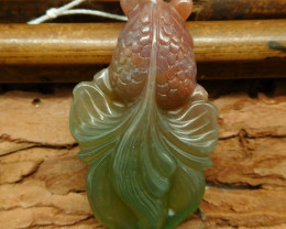 Fancy agate carved fish pendant (G0688)