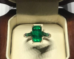 Elegant Emerald Ring