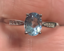 A very fine band Topaz Sterling Silver Ring No reserve