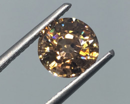 2.99 Carat VS Zircon Golden Flash Unheated Tanzania Precision Cut !