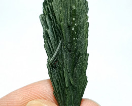Amazing shape tree shape Epidote Crystal have good luster 45Cts-Pak