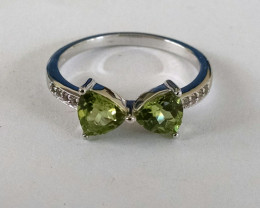 Peridot 925 Sterling silver ring #563