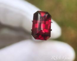 Hot Pink Garnet - 5.84 carats
