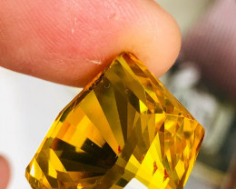 22.48 CT AMBER FACETED. MASTER CUT, VERY UNIQUE