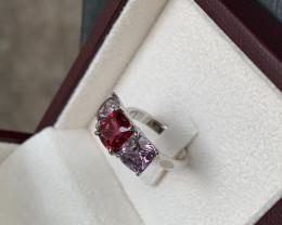 1.86 vivid red 3.3 pastel grey spinel ring