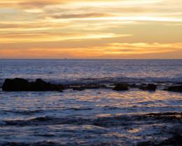 Hawaiian hurricanes make beautiful sunsets.