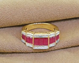 Gorgeous Natural Ruby & Diamond 18kt Solid GOLD Ring  Size 6