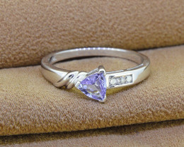 Natural Tanzanite & Diamond 14kt Solid Gold Ring Size 7