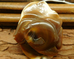 Red agate carved fish pendant (G0916)