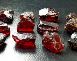 118.55 CT Natural - Unheated Red Garnet Rough Lot