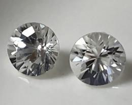 A Pair of Sparkling White Zircon gems - 4.20mm No reserve ~