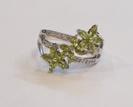 Peridot 925 Sterling silver ring #564
